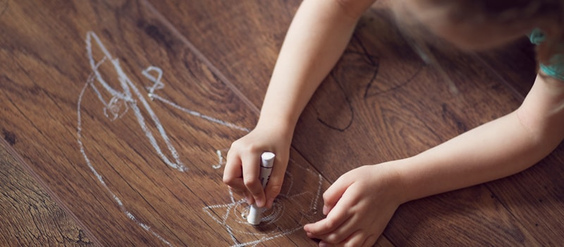 Repair laminate flooring: scratches, lifts, open joints