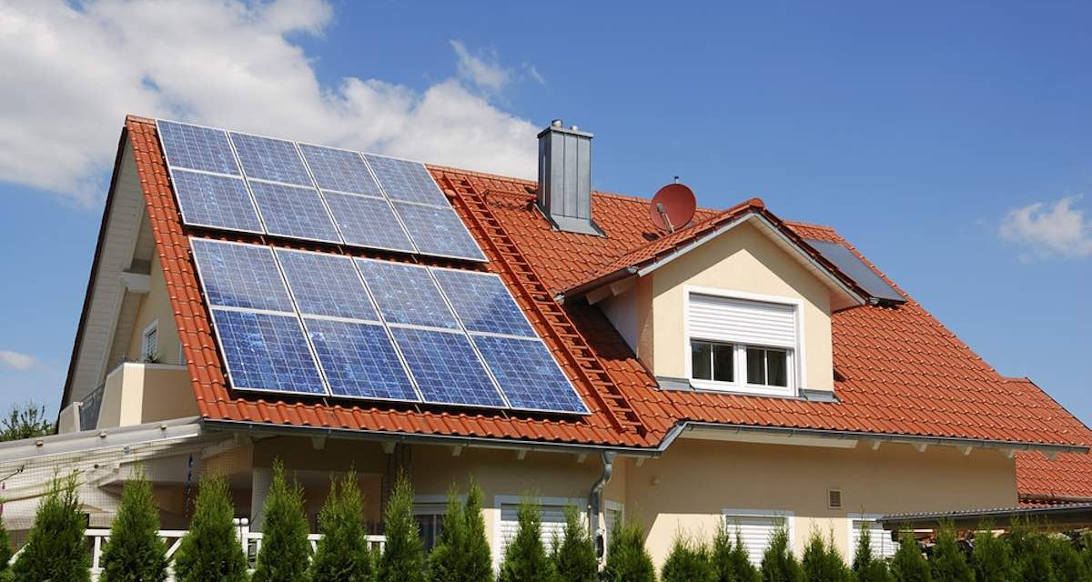 Photovoltaic solar panels are 9 times cheaper than in 2006