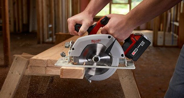 How to choose the best manual circular saw for wood