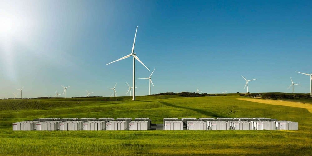 Tesla wins contract for world's first solar, wind and storage project with Powerpacks
