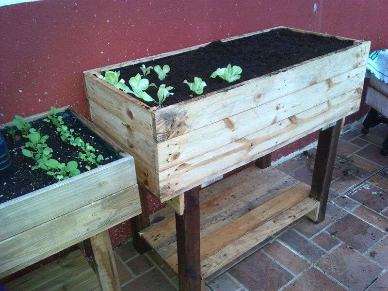 How to make a grow table with pallets (1)