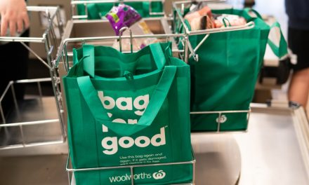 Australia cuts plastic bag use by 80% in just 3 months