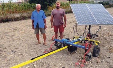 Otopus.  Tillage without compaction and with photovoltaic energy.