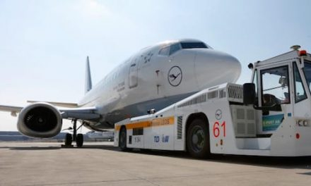 TaxiBots, the airplane trailer that saves 2,700 tonnes of fuel per year