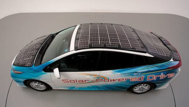Photovoltaic cars: Toyota presents the new Prius PHV solar car