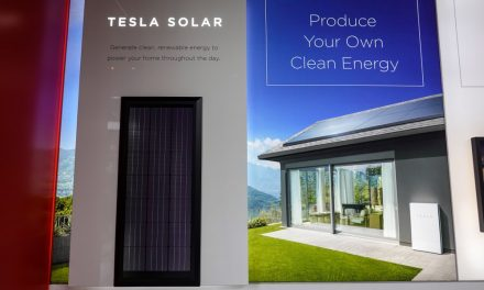 Tesla increases the efficiency of its solar panels by 10%, cuts its price by 17%