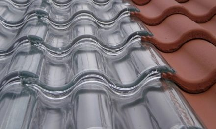 Glass photovoltaic solar tiles made in Spain