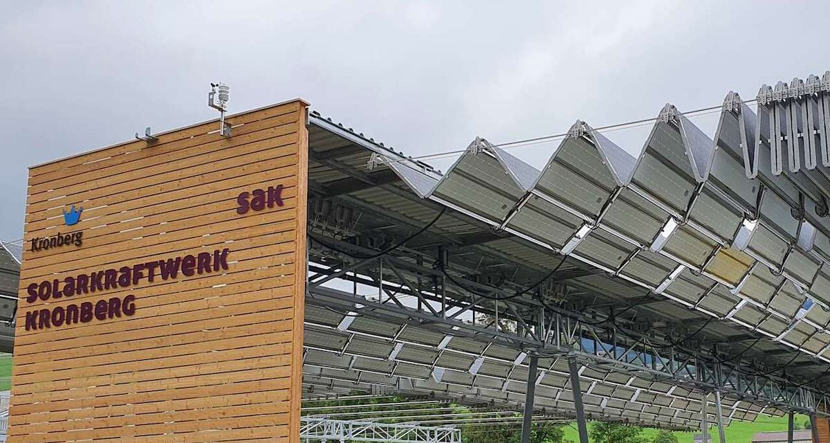Retractable solar roof, ideal for areas at risk of panels