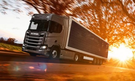Scania tests plug-in truck trailer covered with solar panels to save up to 20%