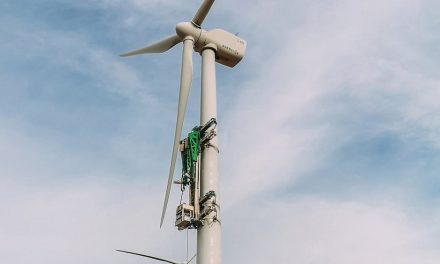 The most efficient and flexible crane-less system for wind turbine maintenance