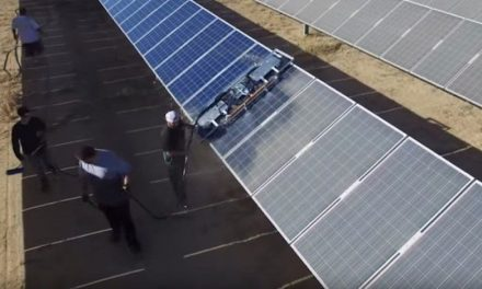 This is how 86,442 solar panels are cleaned in sight of the drone