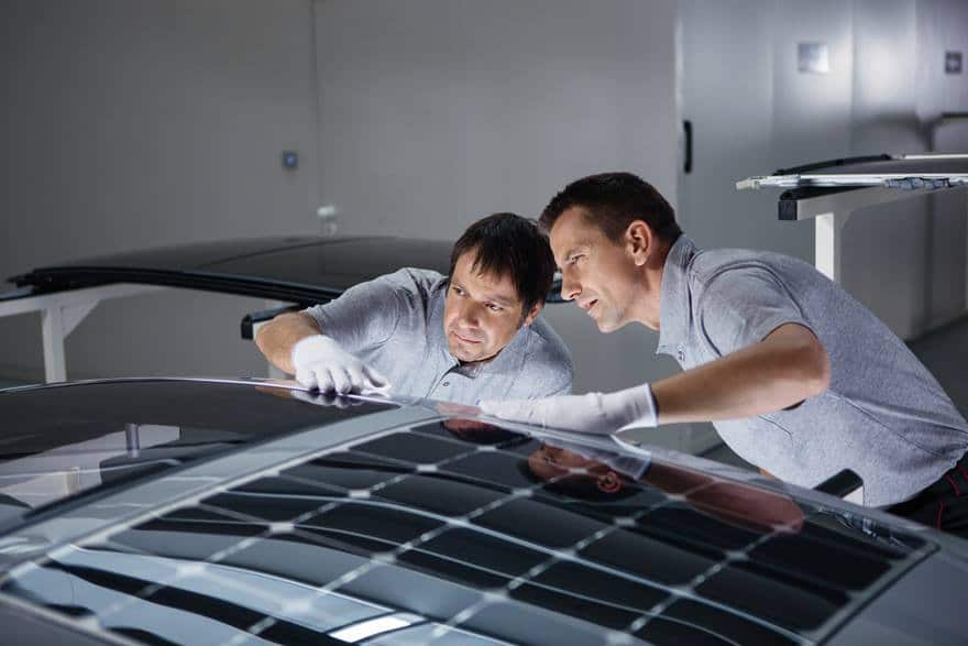 A smart solar roof that produces energy to cool vehicles