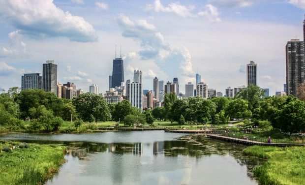 Chicago, largest city in the United States to commit to 100% renewable energy