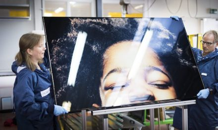 HD photos integrated into photovoltaic panels;  the latest solar technology
