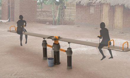 OasiSaw.  A swing to draw water from a well without electricity