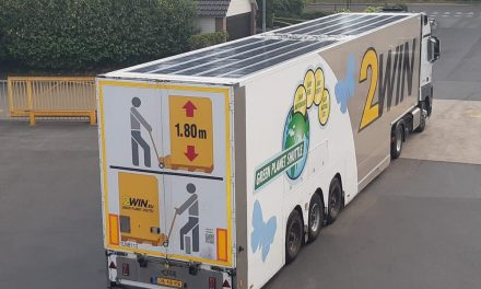 Two European transport companies start testing the integration of solar panels in the roofs of their trucks