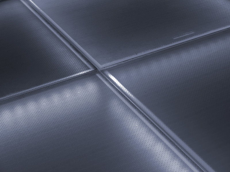 Walking with solar energy is possible with the photovoltaic floor of Onyx Solar